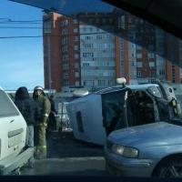 В центре Омска перевернулась ГАЗель ритуальных услуг