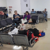 250 туристов из Омска более 10 часов ждут вылета из Гоа