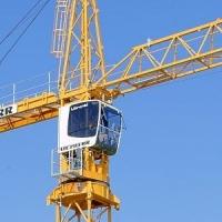 Омский завод стал платить по долгам после ареста башенного крана