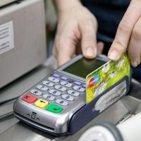 Омская продавщица отдала всю выручку лже-мастеру по обслуживанию платежных терминалов