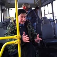 Омская пенсионерка получила полмиллиона за падение в автобусе