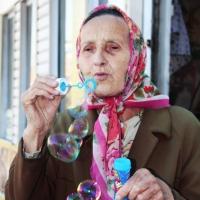 С 1 августа омским работающим пенсионерам повысят пенсии