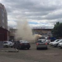 В Омске сгорел обувной киоск на остановке «КДЦ Кристалл»