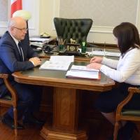 В Омской области будут улучшать материальное положение многодетных семей