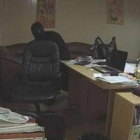 Омич вынес из кабинета своего начальника почти 400 тысяч рублей за неделю