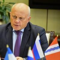 Губернатор Омской области не собирается менять свою работу