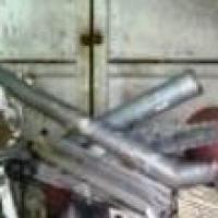 Вахтер выследила омича, укравшего трубы со здания колледжа