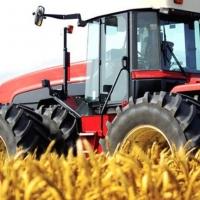 В Омской области тракторист уехал в поле и погиб