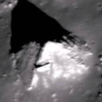 Уфолог обнаружил на Луне древнюю пирамиду