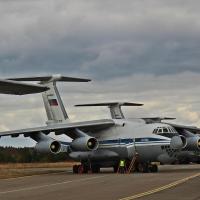 В День народного единства Омск принял два военных самолета