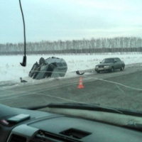 В лобовом столкновении под Омском пострадали пассажир и водитель