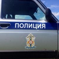 Продавщица в Омской области отобрала у грабителя кассовый аппарат и спряталась за прилавком