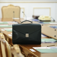 Около ста человек претендуют на должность главы омского Минстроя