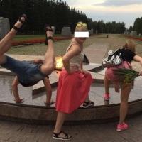 В Омске наказали участников скандального фото у Вечного огня