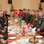 Поздравили ветеранов первые лица города