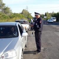 Под Омском поймали пьяного деда, который подвозил на машине внуков