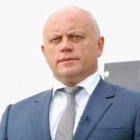Губернатор Омской области выступает перед региональным парламентом с ежегодным отчетом