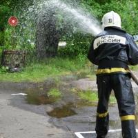 Сотрудники омского завода соревновались в пожарно-прикладном спорте