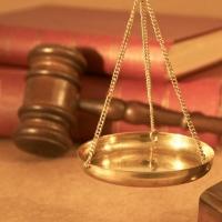 Фальшивого юриста будут судить в Омской области