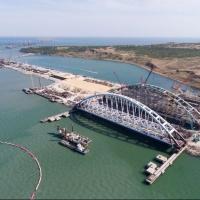 Омская рабочая написали стихи для песни про Крымский мост