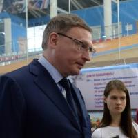 Врио губернатора Омской области не стал сдавать пробный ЕГЭ