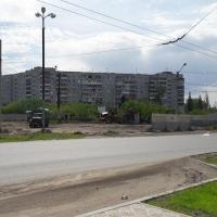 В Омске разбирают забор с буквой «М»