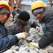 Госдума упростила и продлила таджикам пребывание в России
