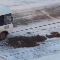 Омские улицы посыпают песком