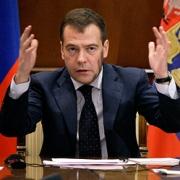 Дмитрий Медведев предложил избирать губернаторов прямым голосованием