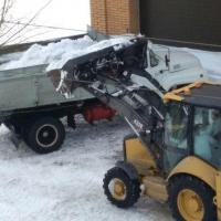 Омские дорожники собрали и вывезли более 11 500 кубометров снега