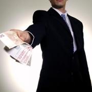 Как быстро взять деньги в кредит?