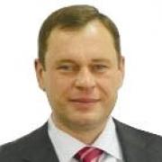 Александр Плукчи перешел из бизнес-инкубатора в администрацию Омского района