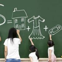 Омских школьников и студентов научат правильно обращаться с деньгами
