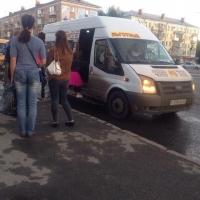 Омские перевозчики с вместительными маршрутками заменили нелегальный пассажирский транспорт