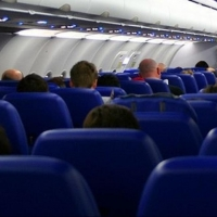 За дебош в самолете «Москва-Омск» пассажир заплатит 70 тысяч рублей