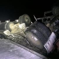 В ДТП с КамАЗом под Омском погибли мужчина и девочка
