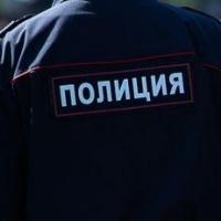 В Омске работник кафе избил посетителя за разбитую вазу