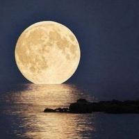 В Омске можно будет увидеть огромную луну