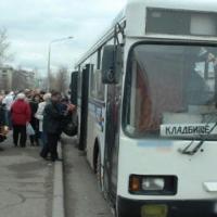 До омских кладбищ посетителей довезут на 155-ти автобусах