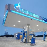 Цена на нефть падает, а стоимость бензина в Омске растет