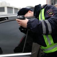 Рабочая неделя у омских водителей начнется с проверки тонировки