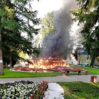 На омской «Флоре» сгорела одна из инсталляций