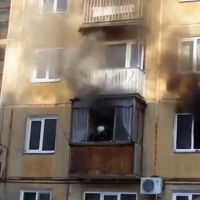 В Омске пожар на Светлой улице унес жизни двоих человек