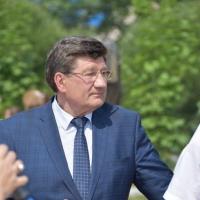 Мэру Омска показали, как чинят дороги с помощью термопрофилирования