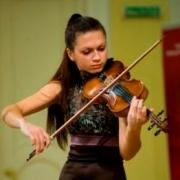Омская скрипачка Алина Черепанова прошла в полуфинал конкурса Янкелевича