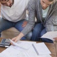 Долги омичей по кредитам переросли годовой бюджет Омска