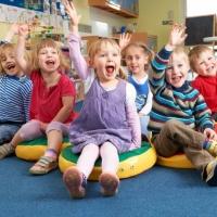 Около 200 омских детей получат путевки в новый детсад