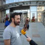 """Активист движения """"Рассерженные омичи"""" напал на депутата Госдумы Пономарева"""
