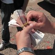 В Горьковском районе соцработники оформляли деньги на лже-погорельцев