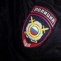 В одной из омских квартир обнаружили труп мужчины в одном свитере